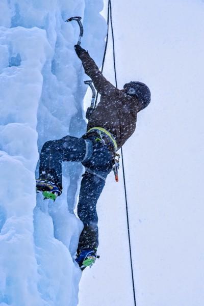 Am Eiskletterturm in Kolm-Saigurn