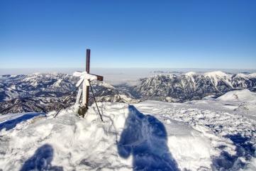 Klein ist auch das Gipfelkreuz.